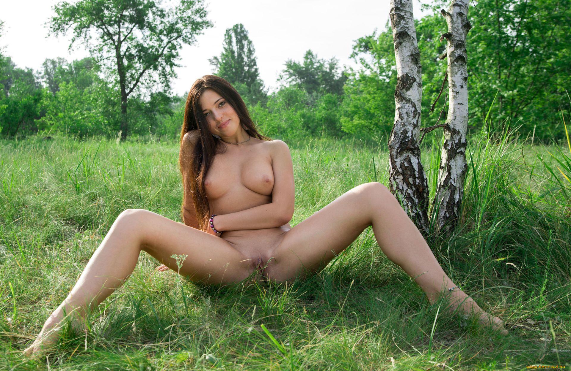 golie-foto-visokogo-razresheniya