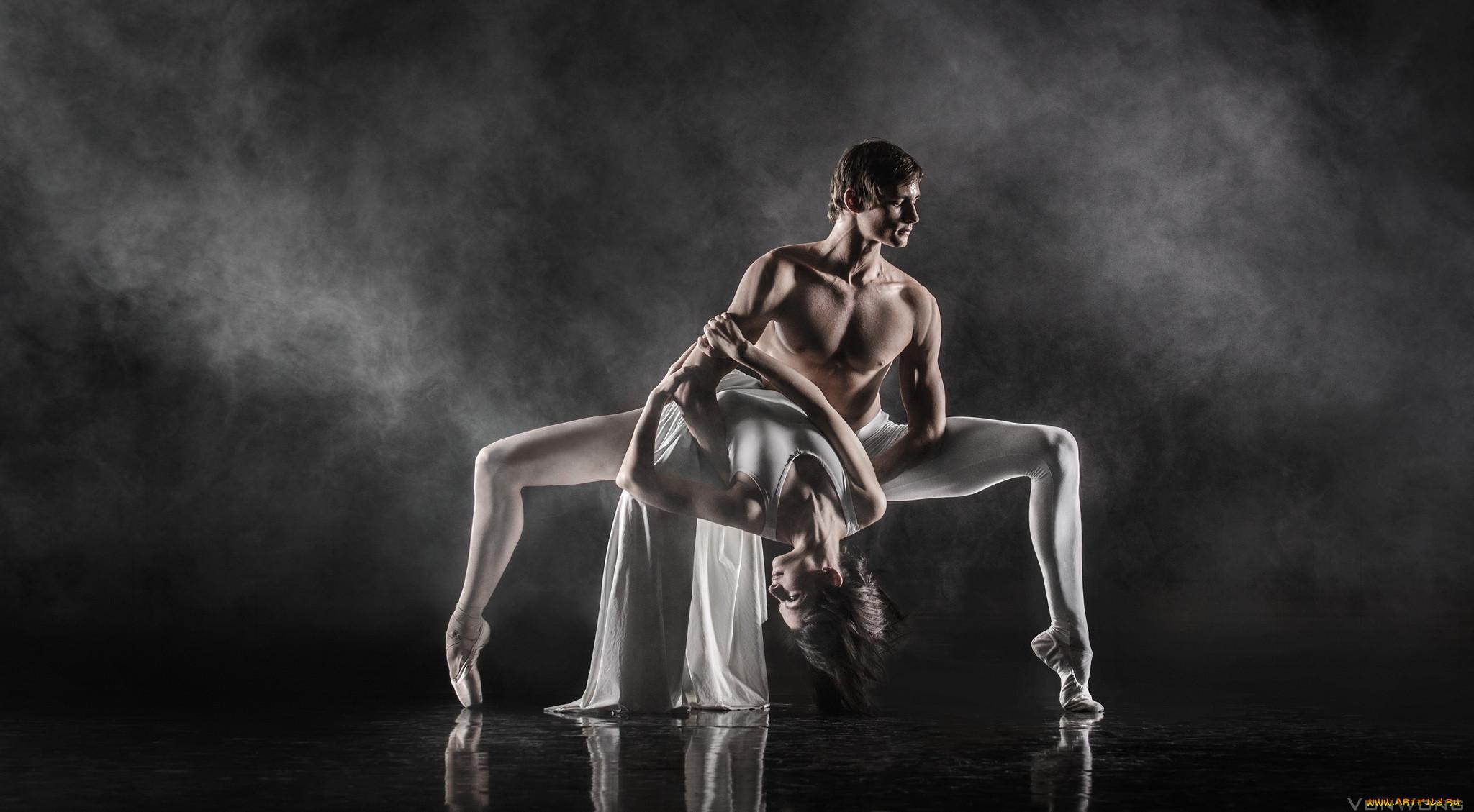 Обнаженные Танцы Вдвоем
