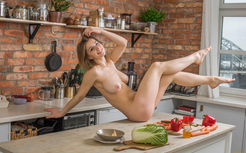 Голая Кухня Онлайн