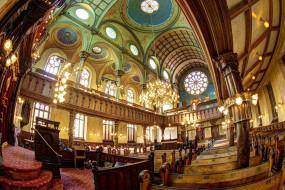 интерьер, убранство,  роспись храма, сша, нью-йорк, религия, люстра, скамья, синагога