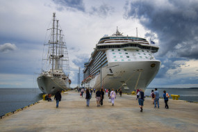 wind surf and regal princess, корабли, лайнеры, круиз, лайнер
