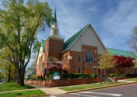 города, - католические соборы,  костелы,  аббатства, церковь