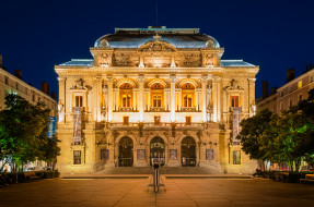 дворец, ночь
