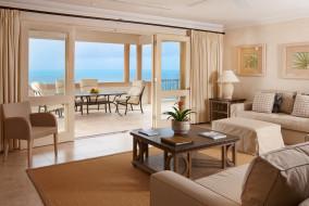 интерьер, гостиная, папки, цветок, картины, кресла, диван, стулья, стол, колонны, море, балкон, терраса