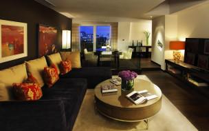 интерьер, гостиная, столы, телевизор, картины, окно, светильник, подушки, диваны