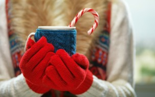 разное, руки, свитер, перчатки, леденец, чашка