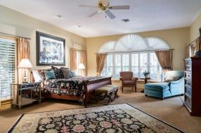 интерьер, спальня, картина, окна, подушки, лампа, кровать, комод, ковер, дизайн, кресло