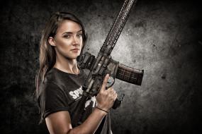 девушки, -unsort , девушки с оружием, фон, оружие, взгляд, девушка