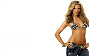 девушки, heidi klum, хайди, клум, модель, улыбка, блондинка, серьги, браслеты, джинсы, купальник