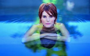 девушки, -unsort , рыжеволосые и другие, бассейн, вода, улыбка, рыжая, лицо
