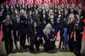 разное, знаменитости, девушки, модели, подиум, улыбки, куртки, джинсы, каблуки