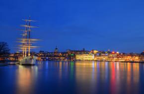 корабли, парусники, ночь, skeppsholmen, небо, огни, море, дома, отражение, корабль, стокгольм, порт, швеция