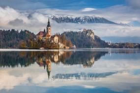 города, - дворцы,  замки,  крепости, замок, озеро, лес, горы, небо, облака, отражение, pawel, uchorczak