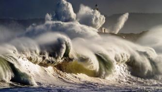 природа, стихия, волны, море, маяк, прибой
