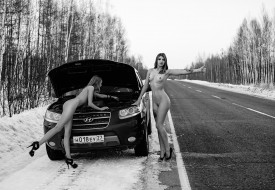 эротика, девушки и автомобили, снег, дорога, поломка, зима, hyundai, туфли, тату