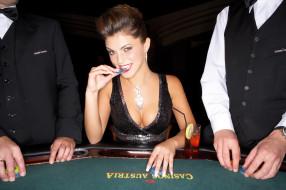 обои для рабочего стола 2362x1571 _Unsort -НЕ ВЫБИРАТЬ  , девушки, , не, выбирать, улыбка, рулетка, фишка, коктейль, казино
