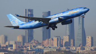 Airbus A330-200 обои для рабочего стола 2048x1152 airbus a330-200, авиация, пассажирские самолёты, авиалайнер
