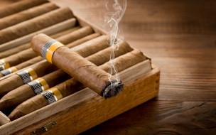 разное, курительные принадлежности,  спички, дым, сигары