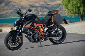 Мотоцикл KTM 1290 Super Duke
