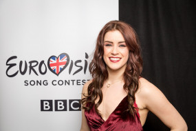 Участник Евровидения 2017 в Киеве от Великобритании Lucie Jones