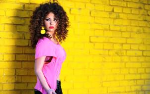 Участник Евровидения 2017 в Киеве от Албании Линдита Халими