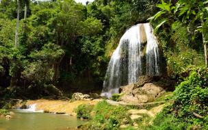 водопад, поток