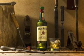 лед, стакан, бутылка, алкоголь, инструменты, виски, напильник, долото