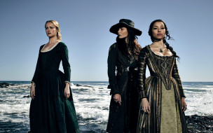 jessica parker kennedy, hannah new, clara paget