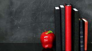 разное, канцелярия,  книги, яблоко, ежедневники, блокноты