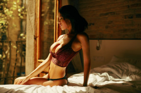 комната, сиськи, грудь, кровать