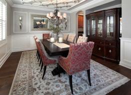 стулья, стол, шкаф, свечи, ковер, люстра