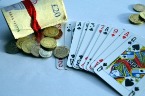 разное, настольные игры,  азартные игры, монеты, карты, банкноты, фунты