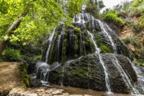 река, водопад, лес