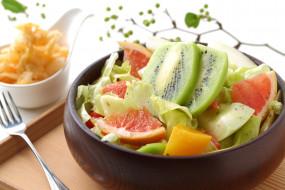 фруктовый салат, киви, грейпфрут