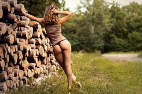 дрова, трава, попка