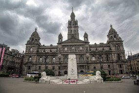 the cenotaph war memorial in front of the city chambers in george square,  glasgow,  scotland, города, - исторические,  архитектурные памятники, scotland, glasgow, the, cenotaph, war, memorial, in, front, of, city, chambers, george, square