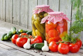 еда, консервация, укроп, чеснок, огурцы, помидоры, банки, перец, томаты