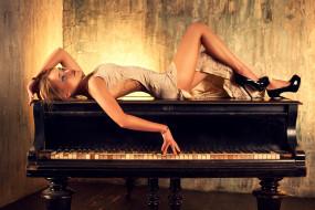 девушки, -unsort , блондинки,  светловолосые, рояль, клавиши, тату, красота, платье