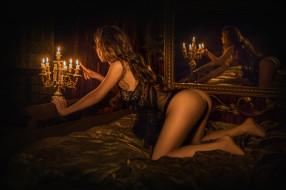 девушки, -unsort , брюнетки, темноволосые, комната, свечи, попка, канделябр