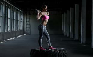 молот, покрышка, спорт, CrossFit, девушка