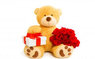 разное, игрушки, с, букетом, красных, роз, плюшевый, медведь, и, подарком