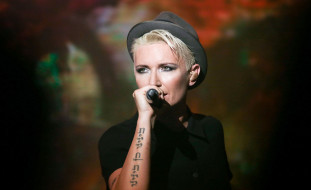 микрофон, женщина, шляпа, певица