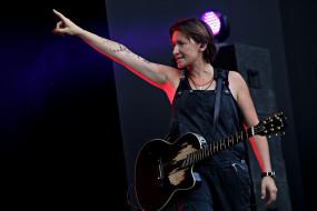диана арбенина, музыка, ночные снайперы, певица, женщина, гитара