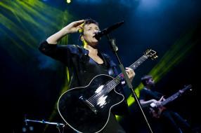 микрофон, концерт, женщина, гитара, певица