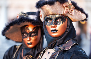 карнавал, шляпы, маски, костюмы