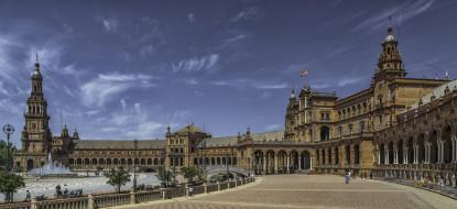 площадь, ночь, дворец