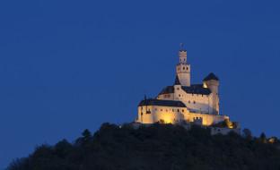 замок марксбург, города, - дворцы,  замки,  крепости, подсветка, гора, деревья, небо