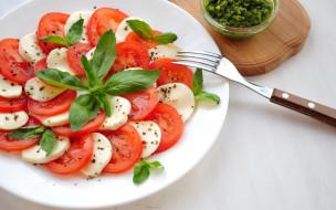 моцарелла, салат, базилик, помидор
