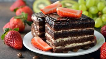 клубника, виноград, торт