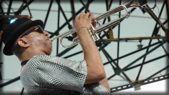 Tom Browne обои для рабочего стола 1920x1080 tom, browne, музыка, автор, песен, певец, пианино, труба, сша
